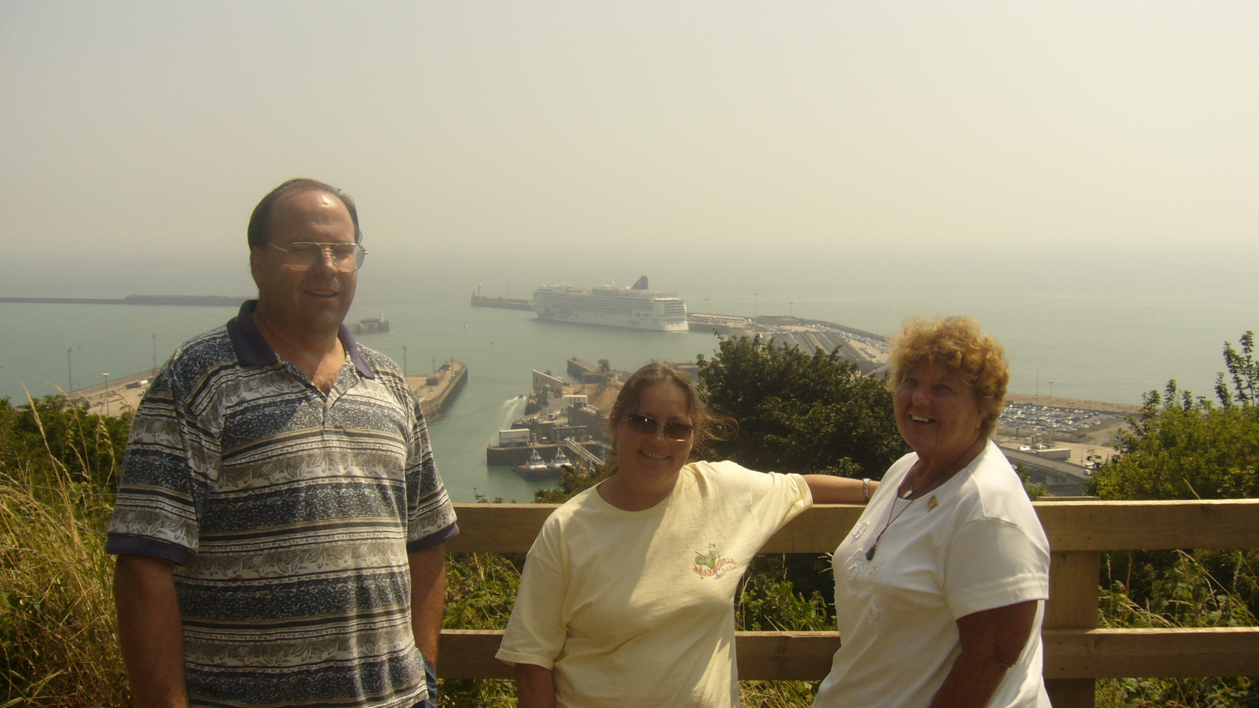 Happy Guests sight seeing Dover on the way to a cruise